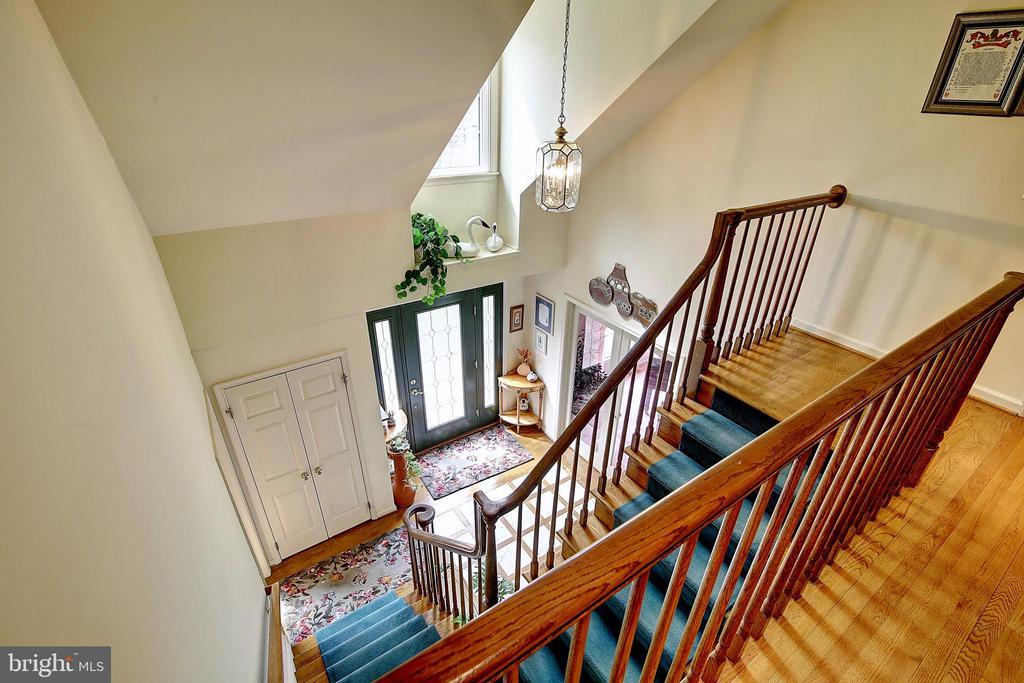 Steps to Upper Level - 5449 MUSSETTER RD, IJAMSVILLE