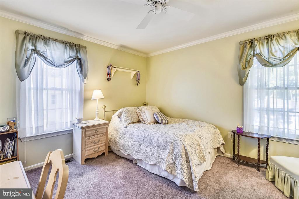Bedroom #2 - 6488 CRAYFORD ST, BURKE