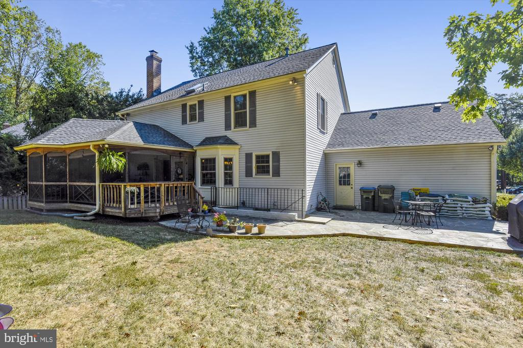 Backyard with Patio & Screened Porch - 6488 CRAYFORD ST, BURKE
