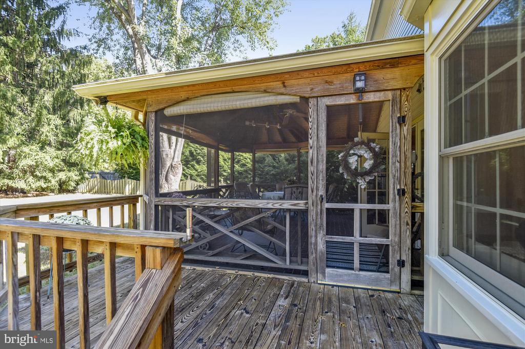 Deck w/Screened Porch - 6488 CRAYFORD ST, BURKE