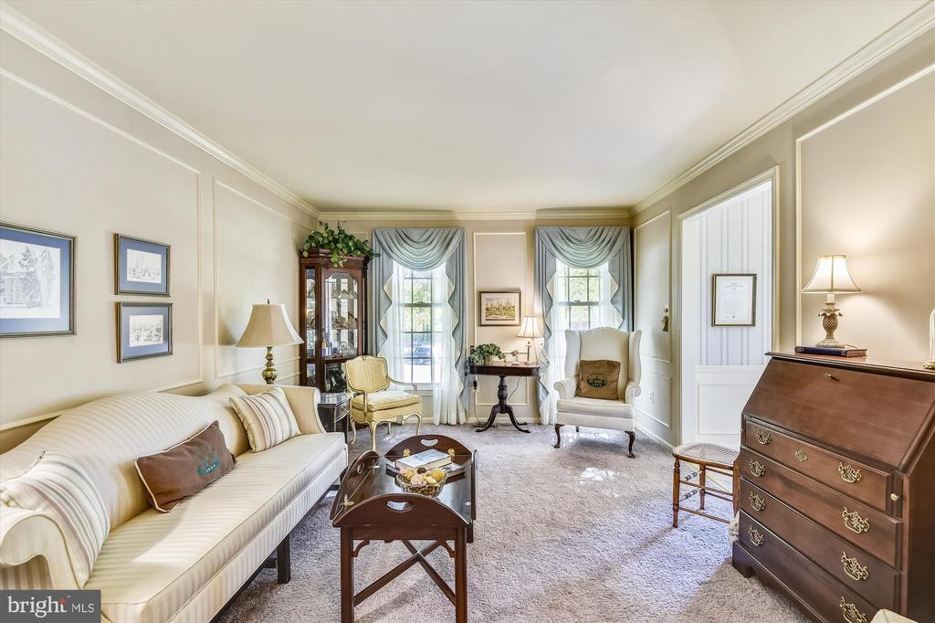 Living Room - 6488 CRAYFORD ST, BURKE