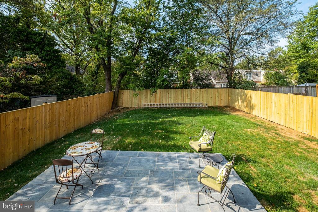 Level Lot w/Privacy Fence - 9506 SEMINOLE ST, SILVER SPRING