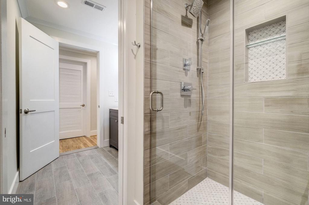 With More Gorgeous Tile Work & Niche - 9506 SEMINOLE ST, SILVER SPRING