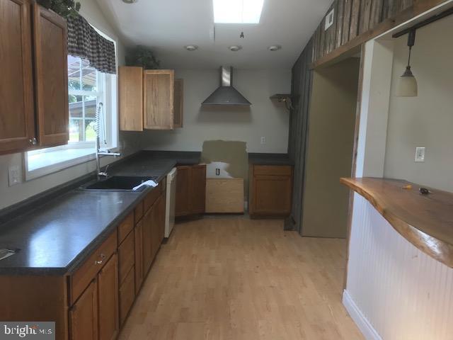 Kitchen - 701 MAIN ST, PORT ROYAL