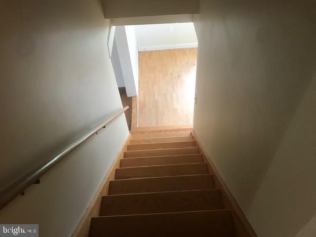 Stairs - 701 MAIN ST, PORT ROYAL