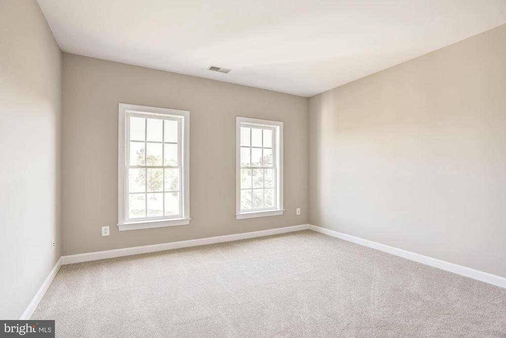 Upper Level Bedroom number two - 14300 DOWDEN DOWNS DR, HAYMARKET