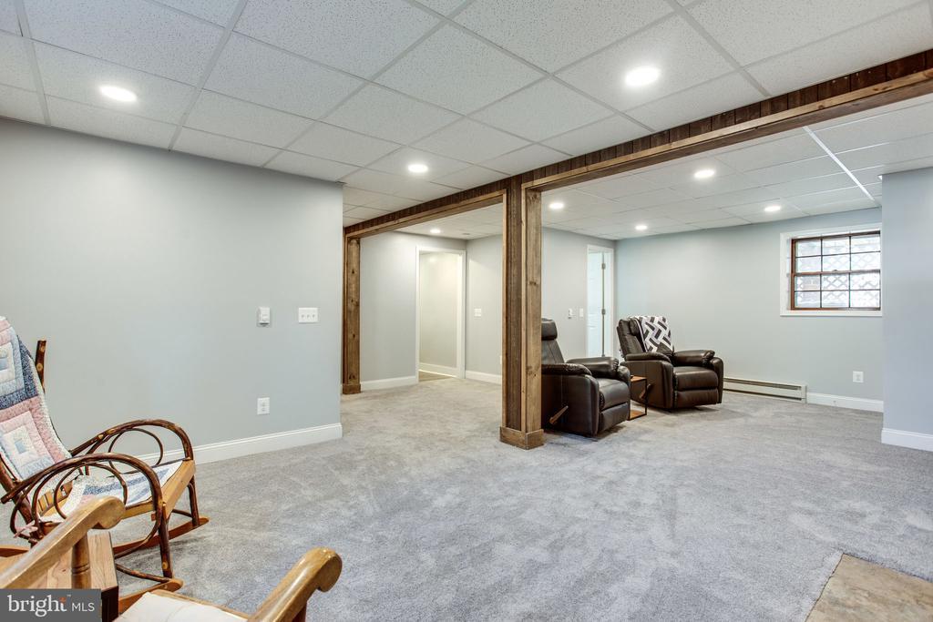 Family Room - 12401 LEE HILL DR, MONROVIA
