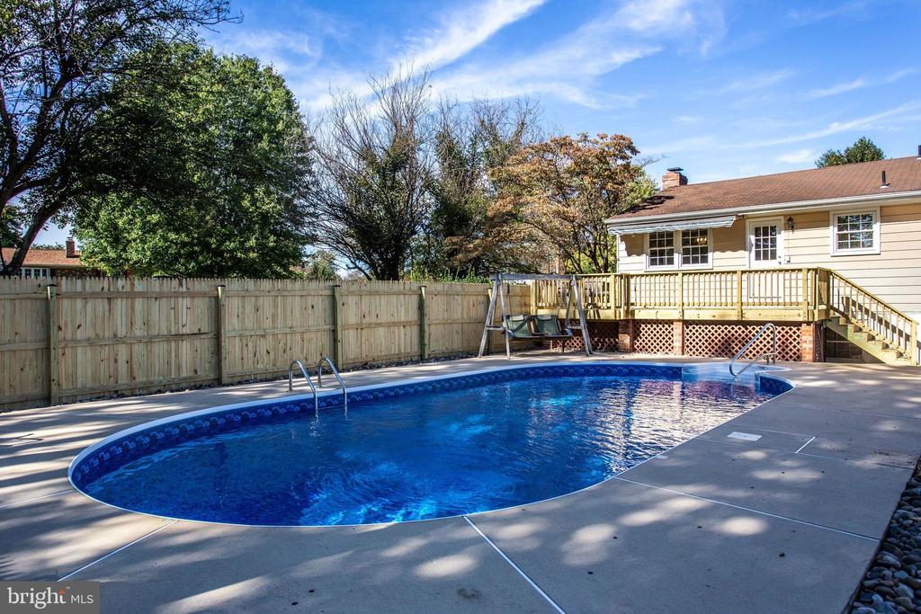 New Liner - 12401 LEE HILL DR, MONROVIA