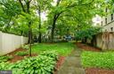 Green, leafy grounds - 3100 CONNECTICUT AVE NW #229, WASHINGTON