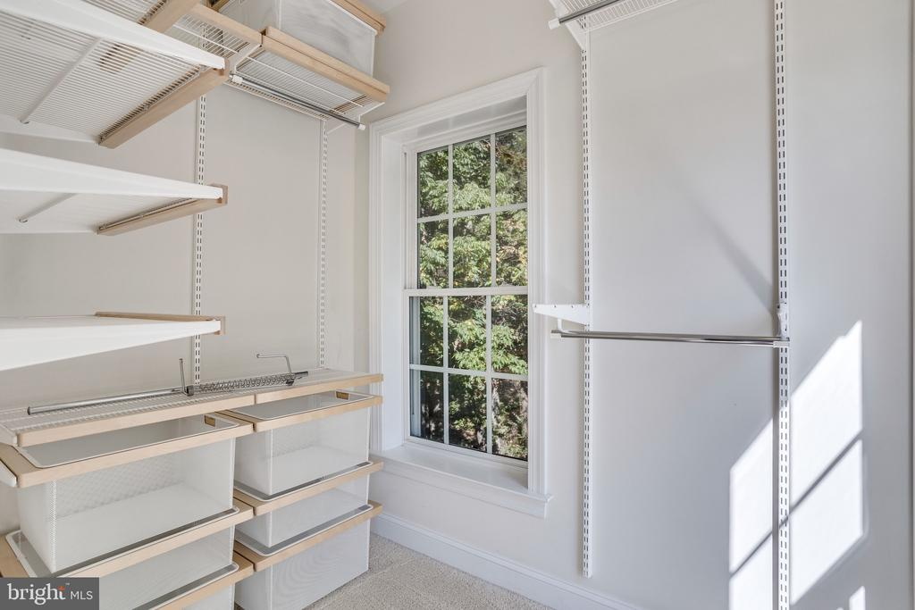 Two walk-in closets with custom built-in storage - 3541 GODDARD WAY, ALEXANDRIA
