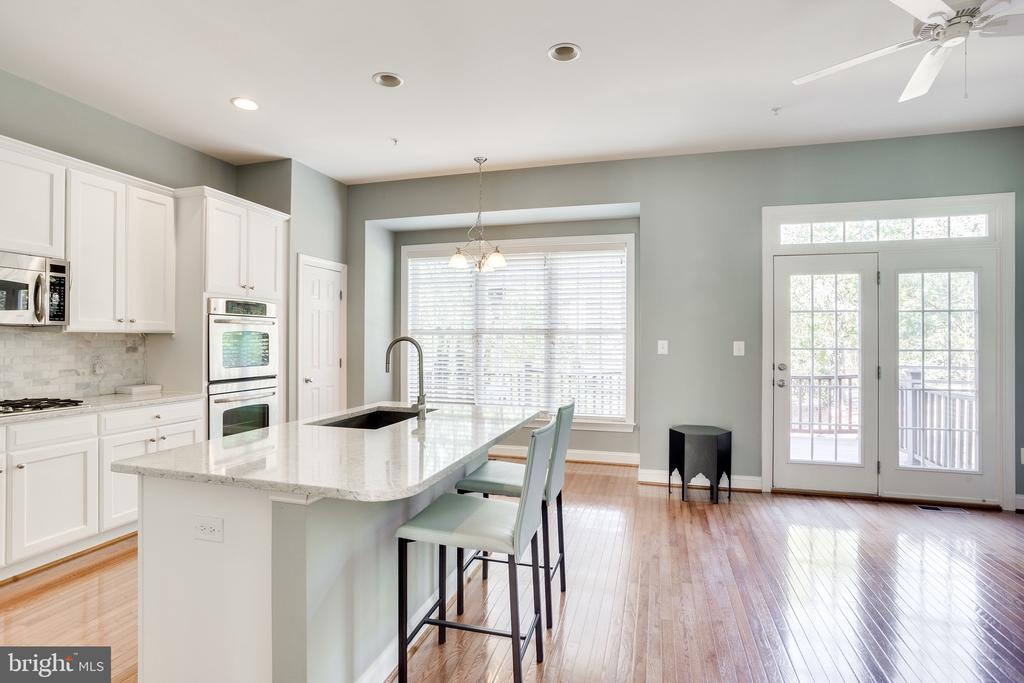 Renovated kitchen with expanded island - 3541 GODDARD WAY, ALEXANDRIA