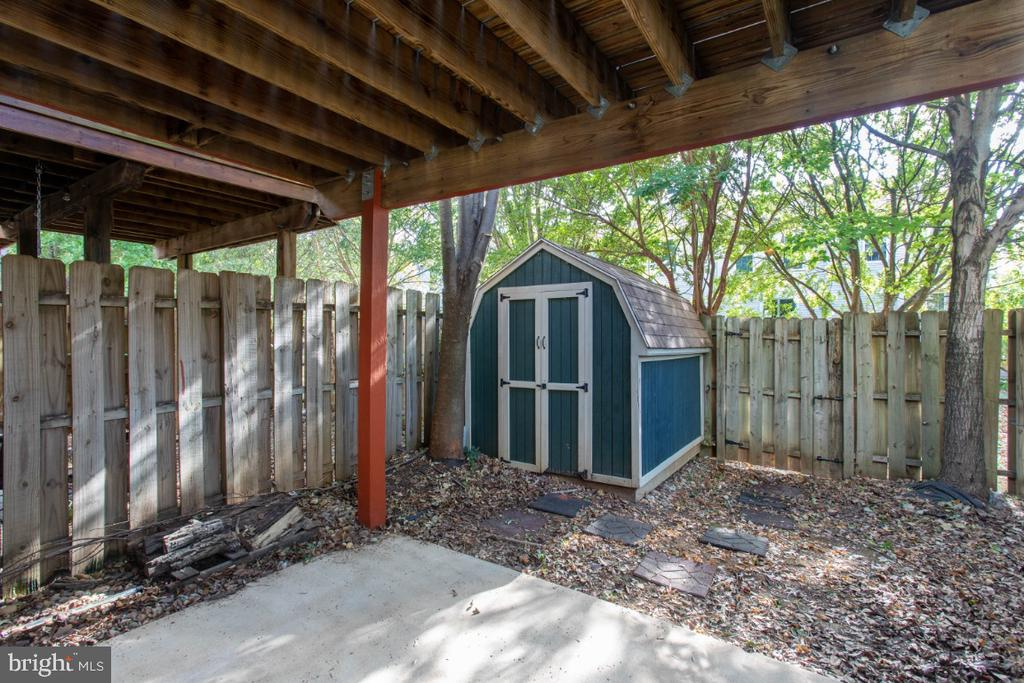 Fenced Yard With  Shed - 6646 DUCKETTS LN #28-6, ELKRIDGE