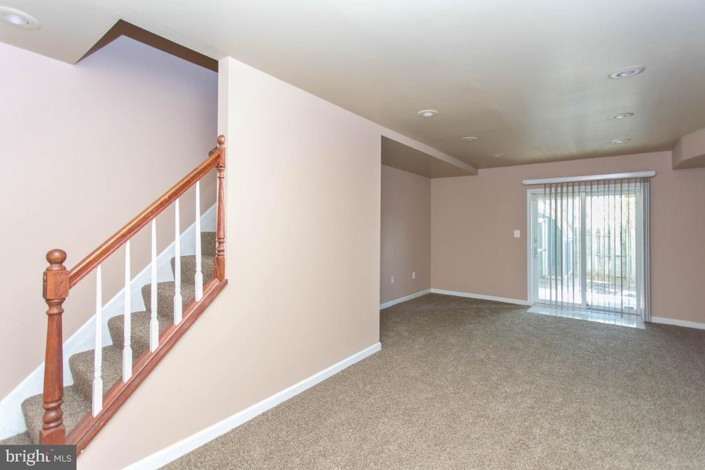 Walk-Out Lower Level - 6646 DUCKETTS LN #28-6, ELKRIDGE