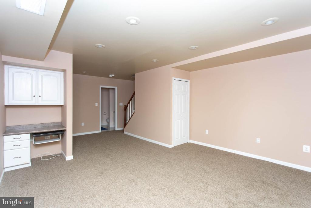 - 6646 DUCKETTS LN #28-6, ELKRIDGE