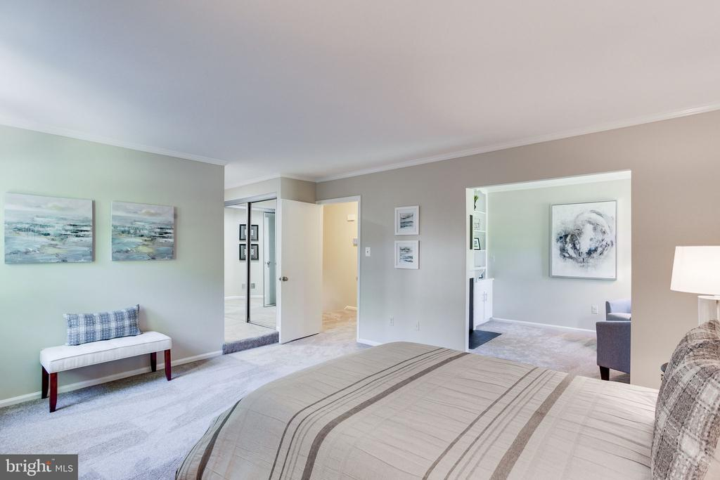 Master Bedroom - 1833 BATTEN HOLLOW RD, VIENNA