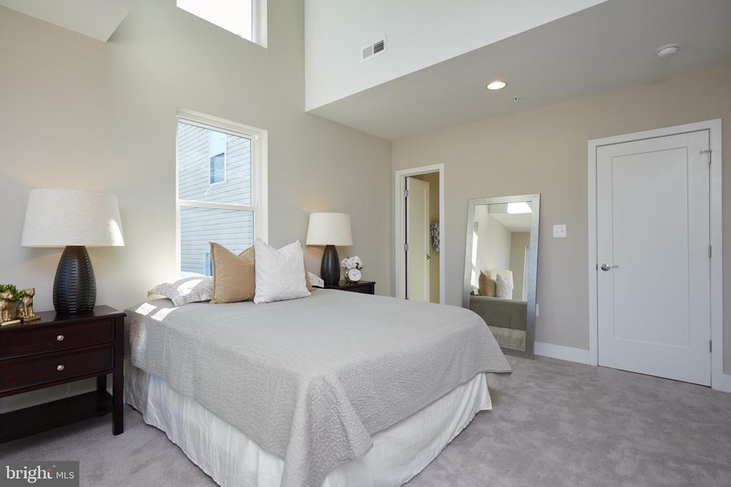 Master Suite - 5132 LEE ST NE, WASHINGTON
