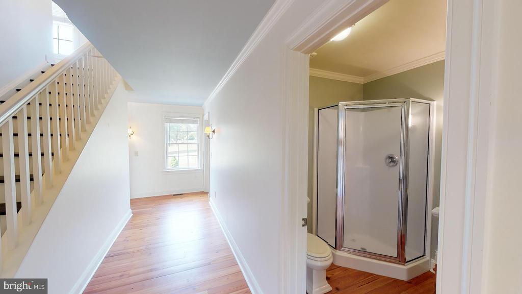 Main Level Hallway - 1208 SPOTSWOOD DR, LOCUST GROVE