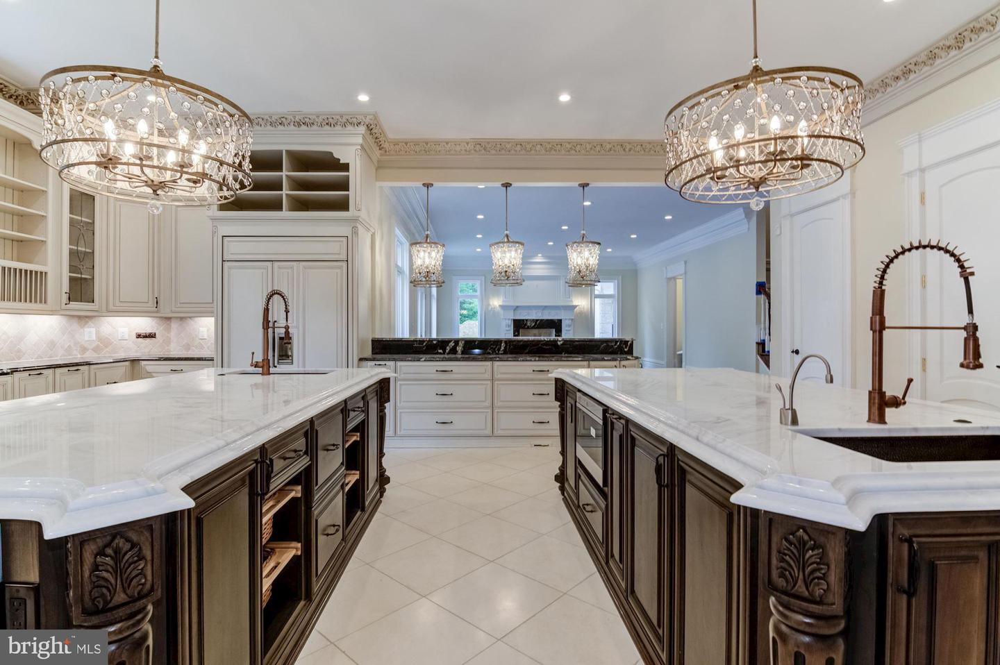 Additional photo for property listing at  McLean, Virginia 22102 États-Unis
