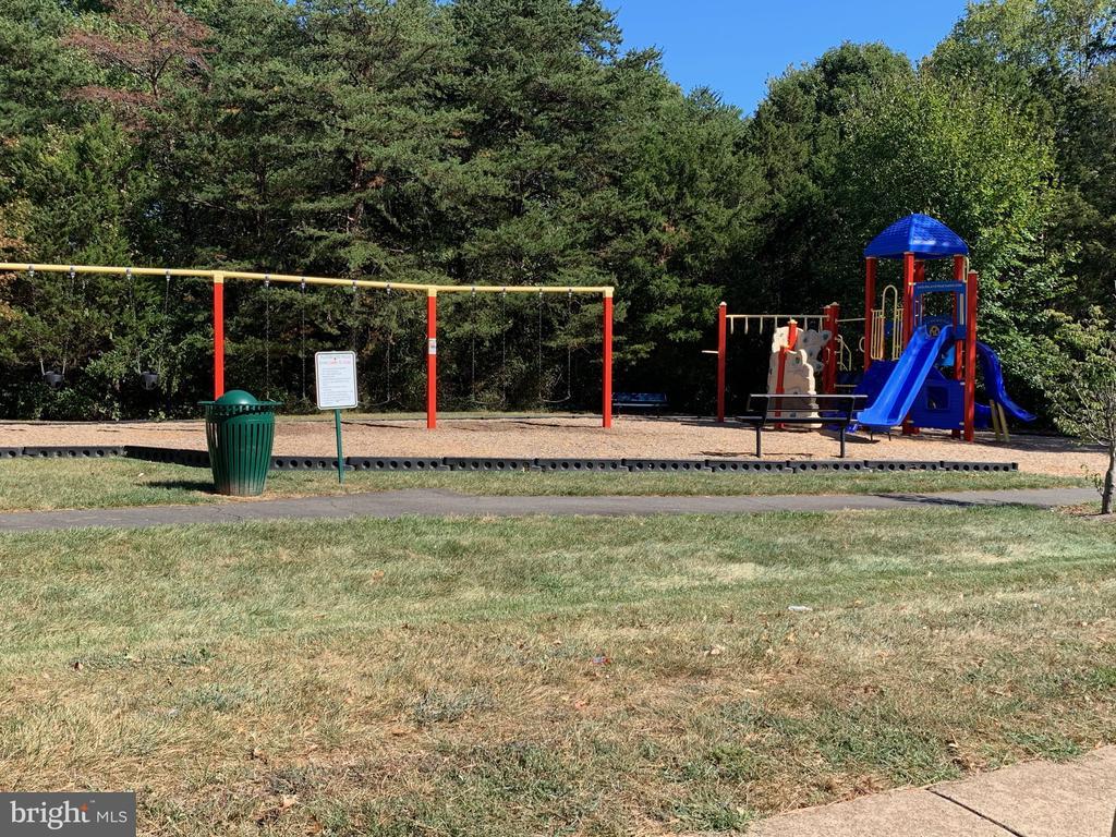 Playground - 21906 GREENTREE TER, STERLING