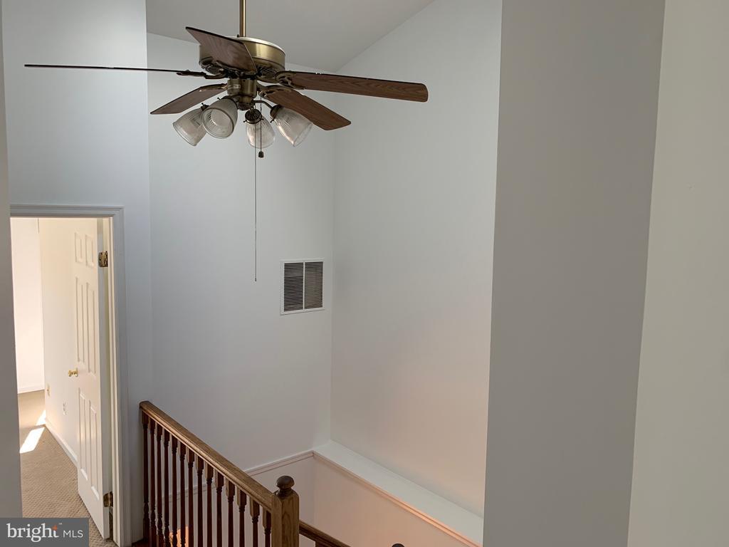 Ceiling Fan in Hallway - 21906 GREENTREE TER, STERLING