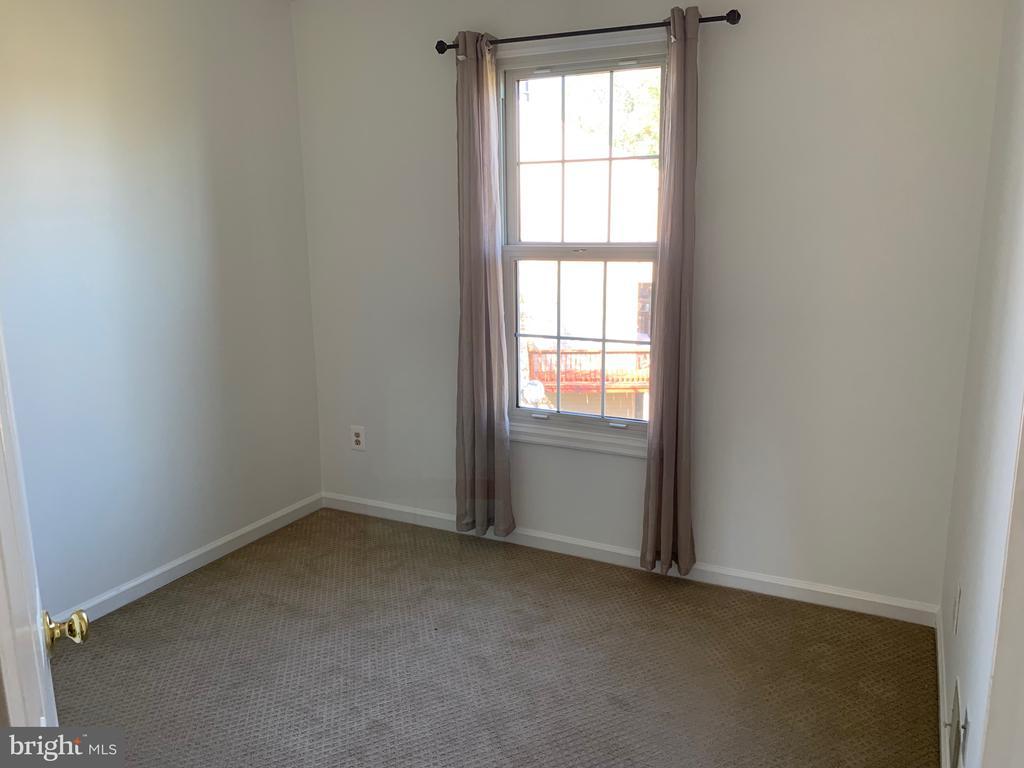 Bedroom 2 - 21906 GREENTREE TER, STERLING