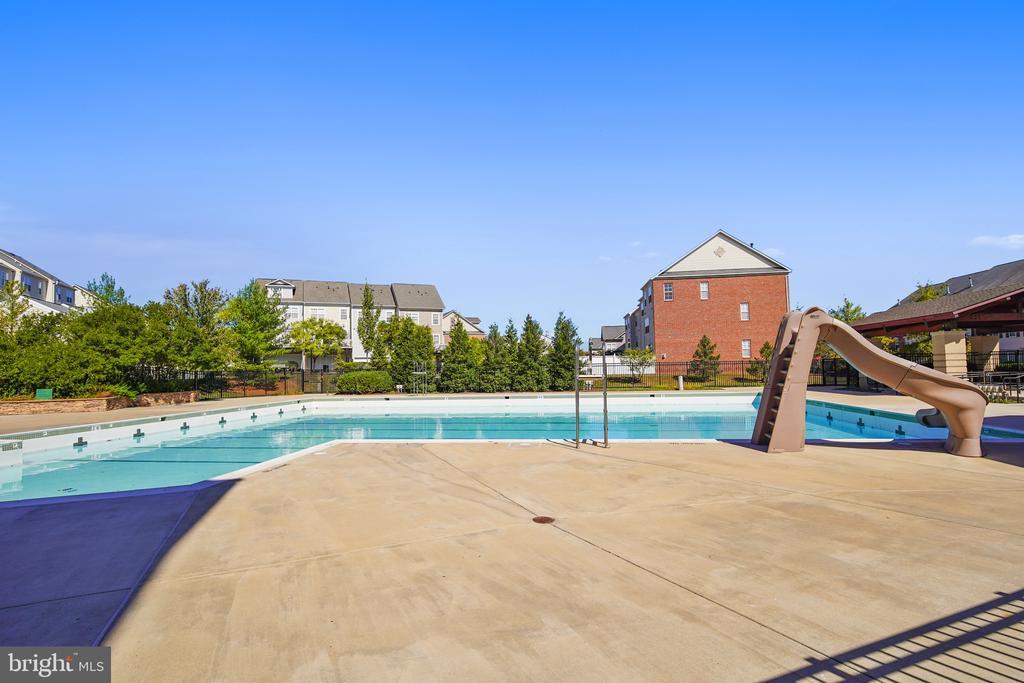 Pool - 23504 PUBLIC HOUSE RD, CLARKSBURG