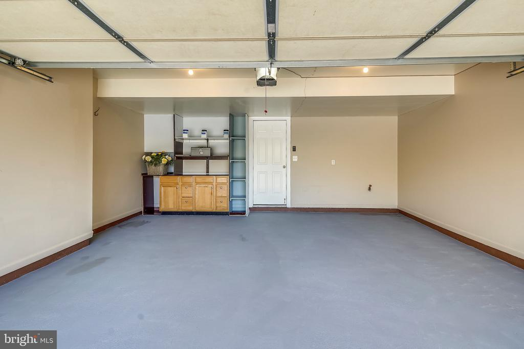 Cleanest garage you may have ever seen? - 23504 PUBLIC HOUSE RD, CLARKSBURG