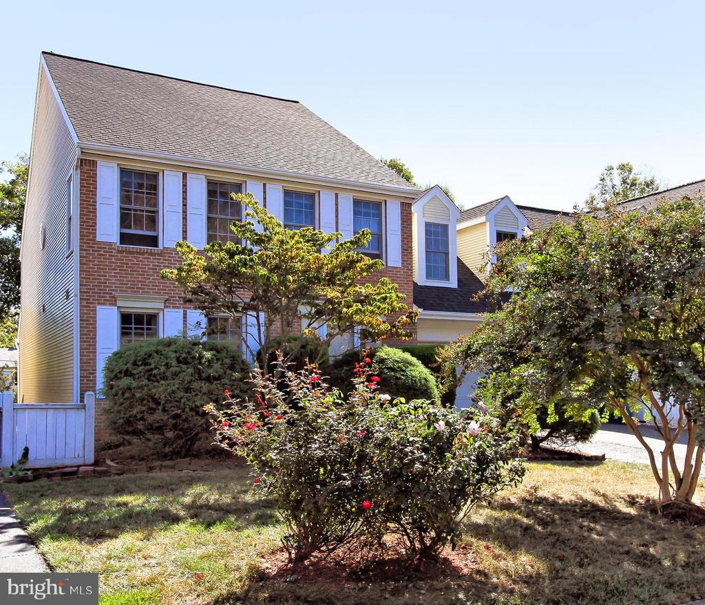 Come Visit! Open House Saturday 2-4 & Sunday 1-4 - 2309 YVONNES WAY, DUNN LORING