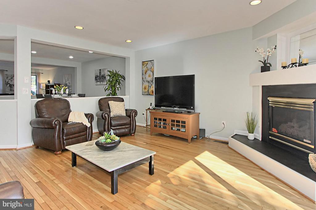 Family Room features a Gas Fireplace - 2309 YVONNES WAY, DUNN LORING