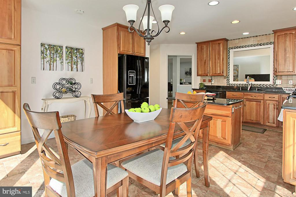 Spacious Kitchen with So Many Options! - 2309 YVONNES WAY, DUNN LORING