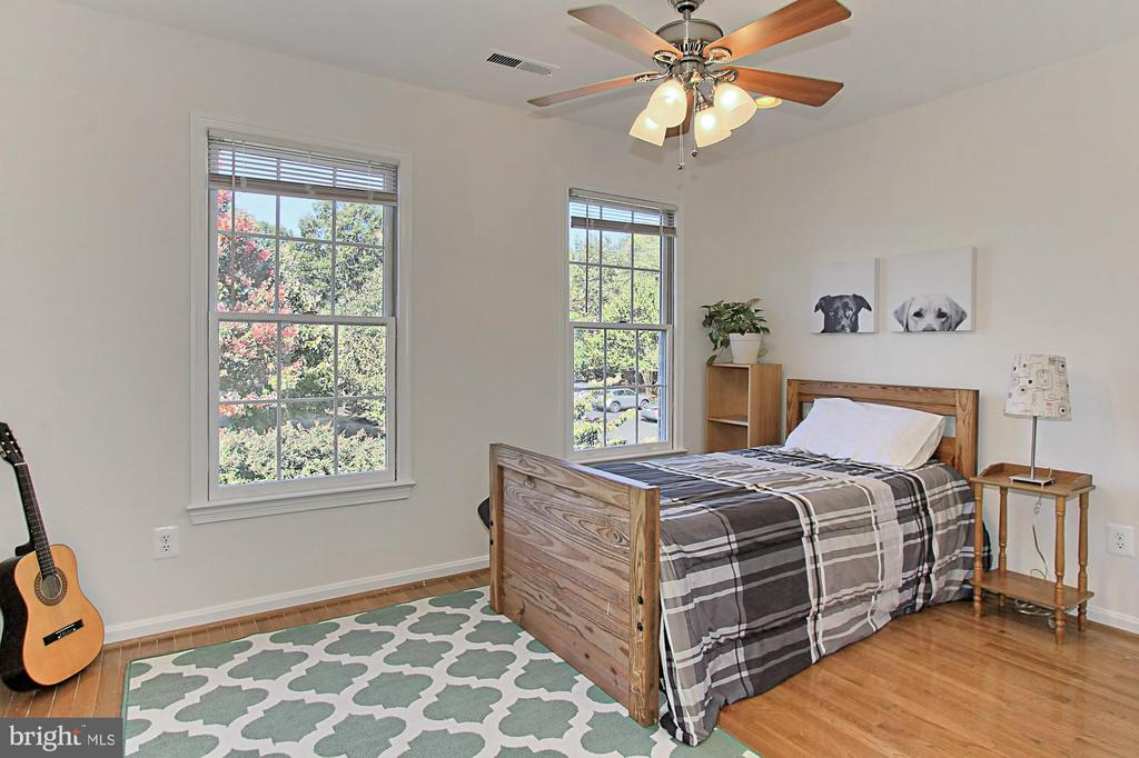 Great 4th Bedroom with Ceiling Fan & Wood Floors - 2309 YVONNES WAY, DUNN LORING