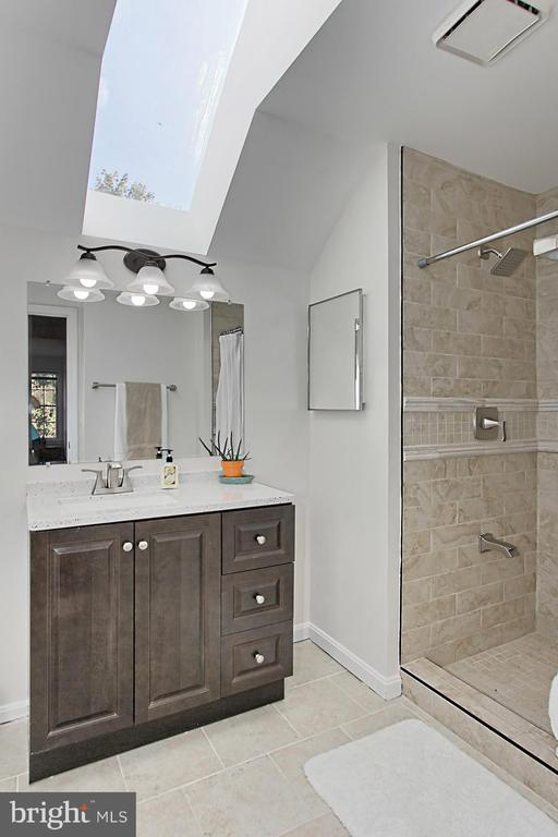 Newly Renovated Attached Bathroom w/ a Skylight! - 2309 YVONNES WAY, DUNN LORING