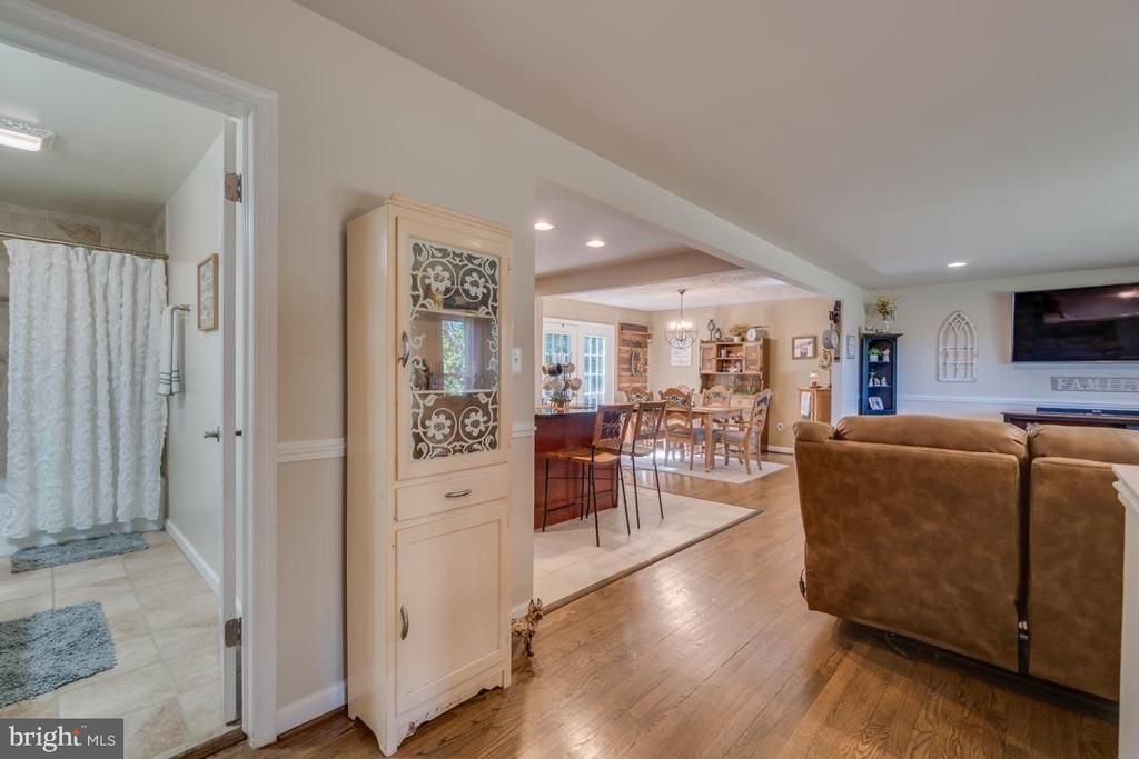 This home is very clean and well maintained - 1463 MOUNTAIN VIEW RD, STAFFORD