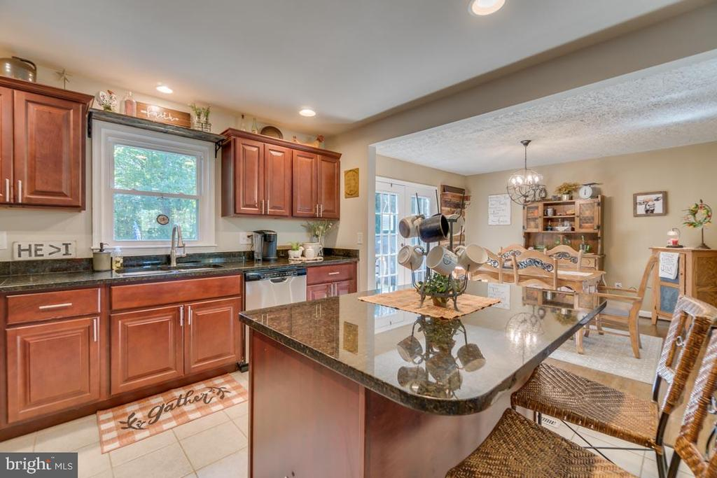 Kitchen Island with Granite Counter tops - 1463 MOUNTAIN VIEW RD, STAFFORD