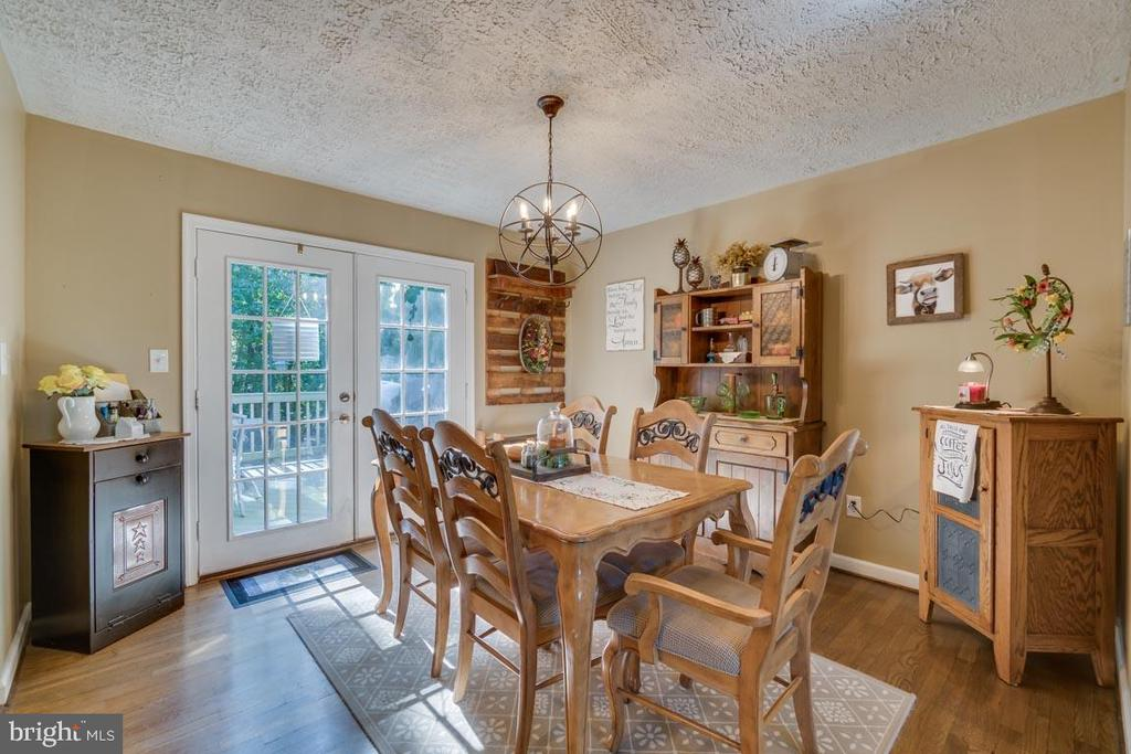 Dining Room with French Doors to Rear Deck - 1463 MOUNTAIN VIEW RD, STAFFORD