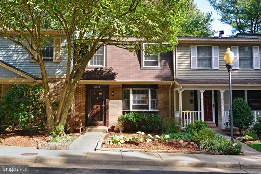 Property for sale at 10904 Barton Hill Ct, Reston,  Virginia 20191