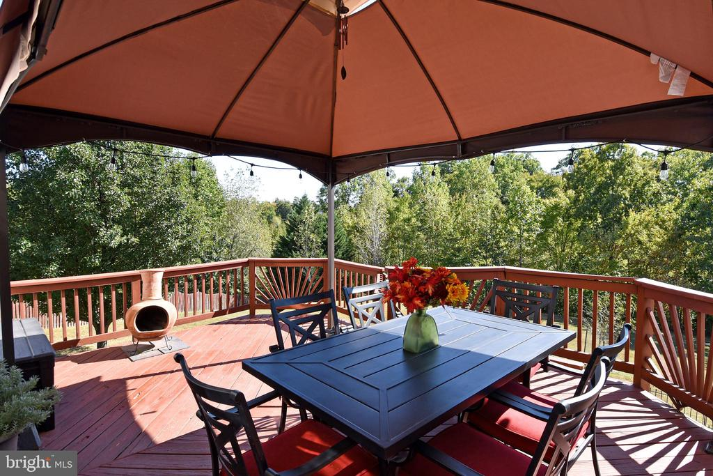 Large Private Deck. perfect for entertaining - 25 PATRIOT WAY, STAFFORD