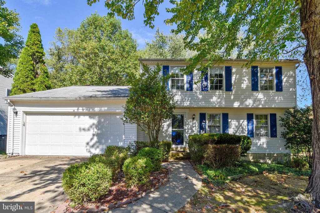 GREAT SINGLE FAMILY IN NEWGATE FOREST! - 14564 WOODLAND RIDGE DR, CENTREVILLE