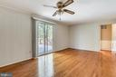 GREAT FLOW FROM KITCHEN! - 14564 WOODLAND RIDGE DR, CENTREVILLE