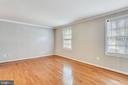 WINDOWS IN LIVING ROOM! - 14564 WOODLAND RIDGE DR, CENTREVILLE
