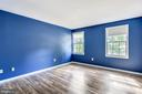 LARGE UPSTAIRS BEDROOMS! - 14564 WOODLAND RIDGE DR, CENTREVILLE