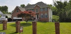 Exterior Front Main - 4423 CARRICO DR, ANNANDALE