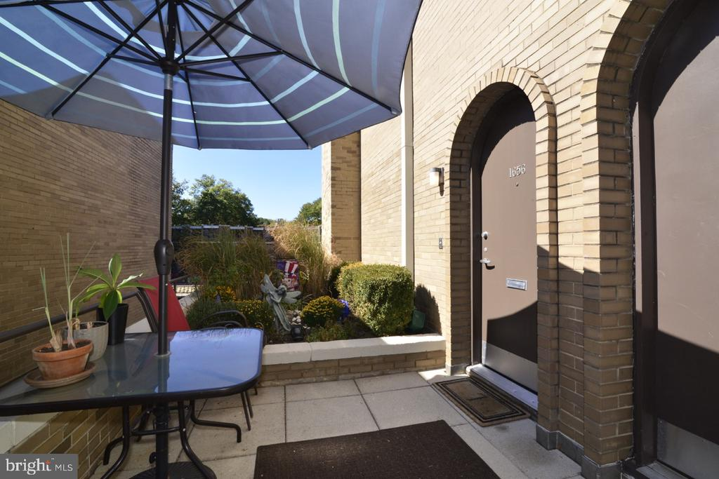 Front Patio - 1656 CHIMNEY HOUSE RD #1656, RESTON