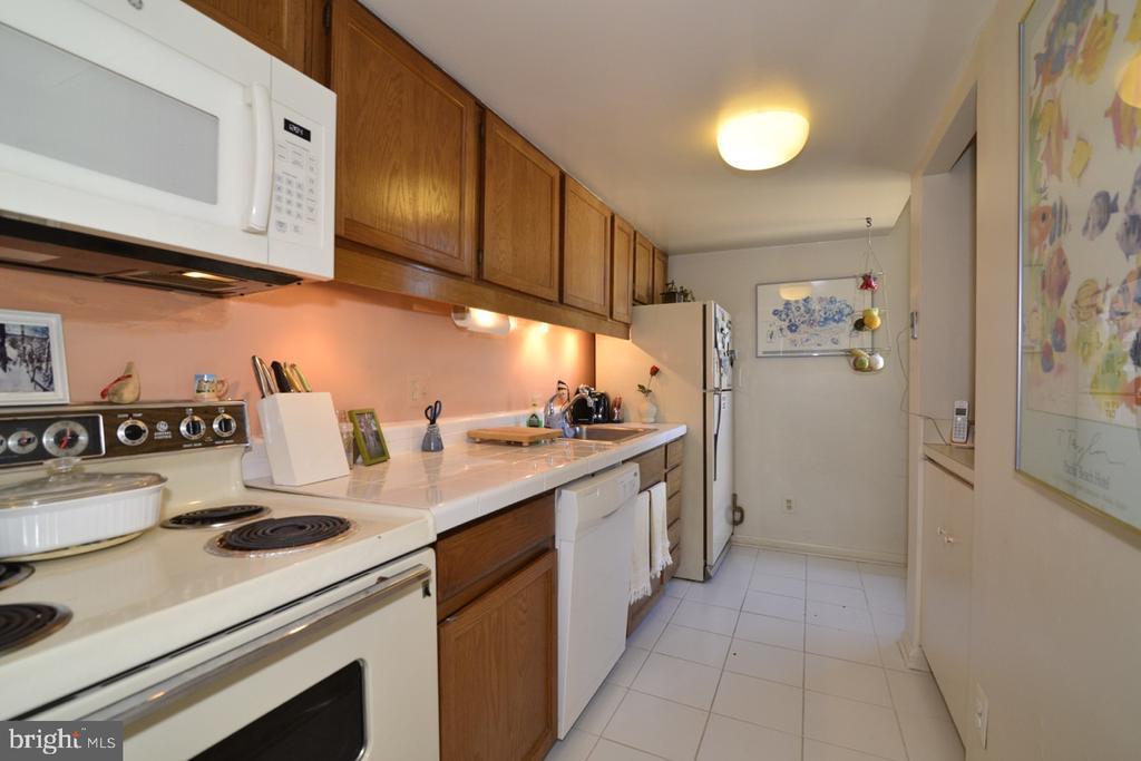 Kitchen - 1656 CHIMNEY HOUSE RD #1656, RESTON
