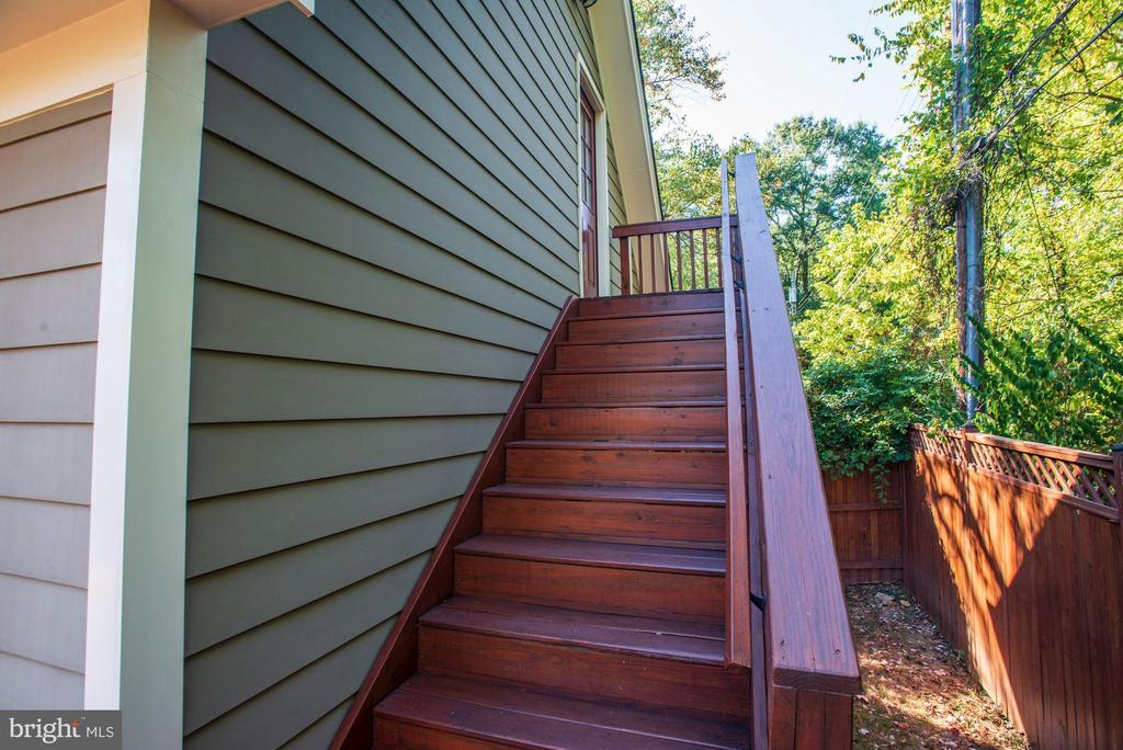 Stairs to finished area above garage - 4507 16TH ST N, ARLINGTON