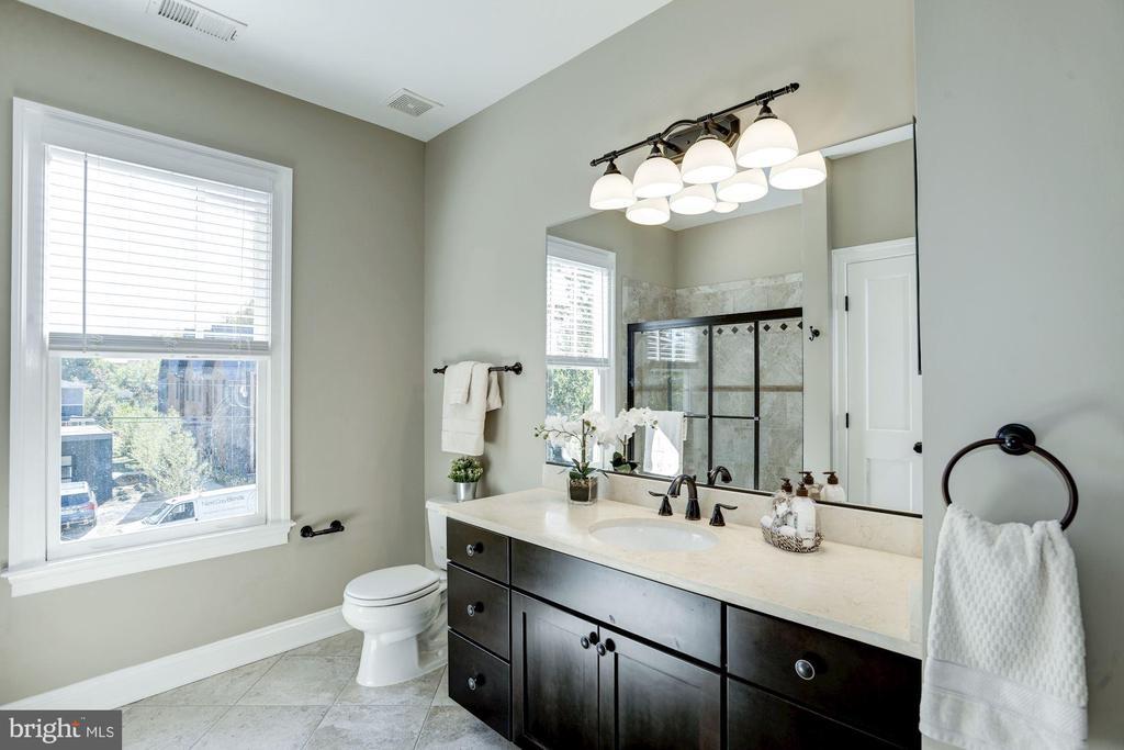 All baths upgraded w/granite counters - 4507 16TH ST N, ARLINGTON