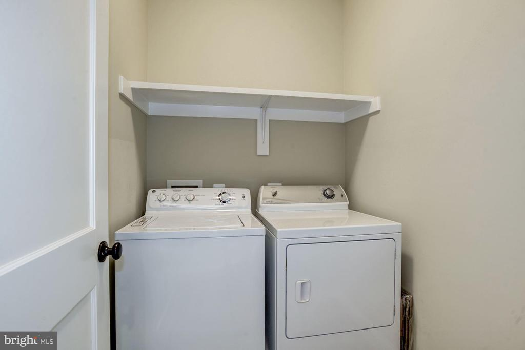 Upper level laundry (lower level laundry too!) - 4507 16TH ST N, ARLINGTON