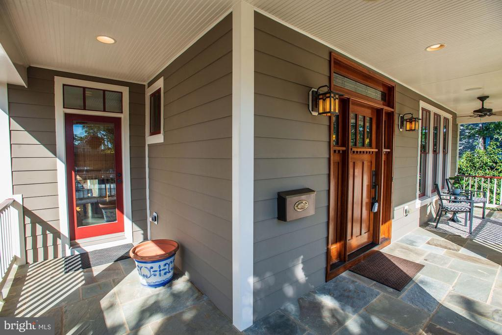 Separate Entrance to Main Level Office - 4507 16TH ST N, ARLINGTON
