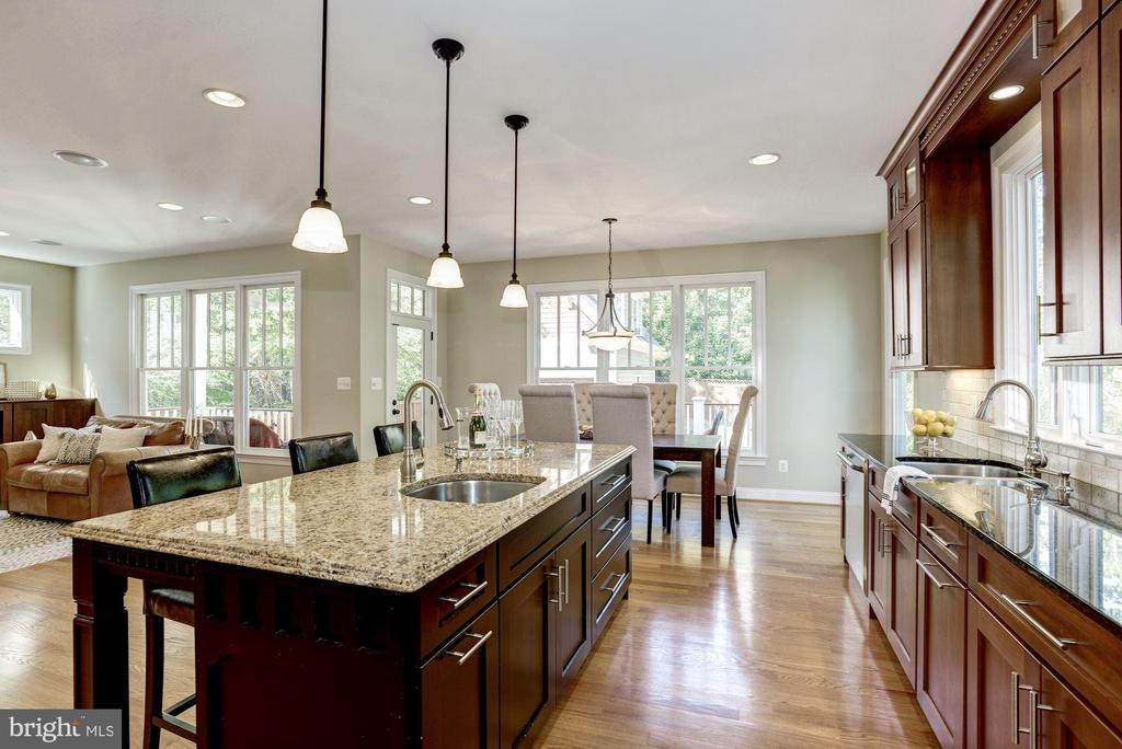 Upgraded hardware and lighting throughout - 4507 16TH ST N, ARLINGTON