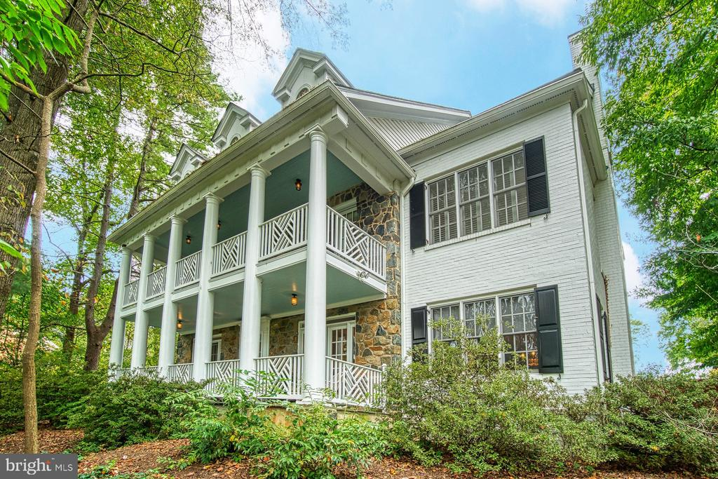 The original 1932 structure with expansions - 3812 MILITARY RD, ARLINGTON